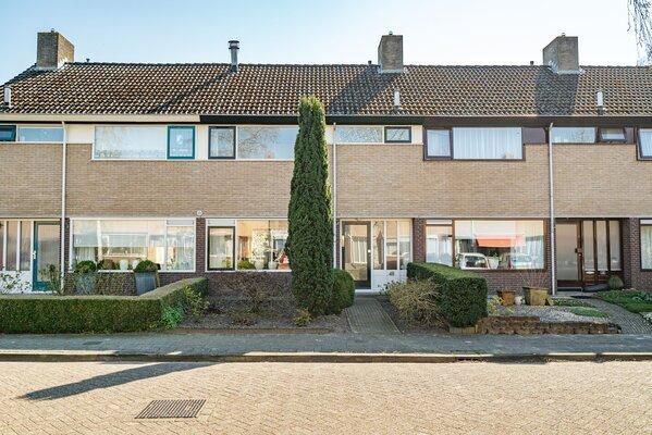 Lauermanstraat 48, Burgum