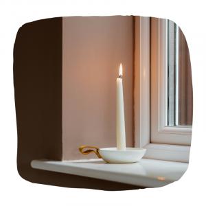 kaarsen vensterbank