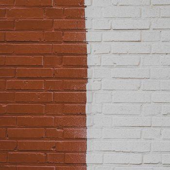 Bakstenen muur schilderen